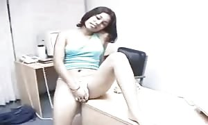 Costa Rica lady Play stripped in the Office a million