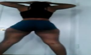 Nunu Bad Azz TWERK It